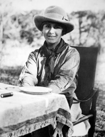 Karen-Blixen-on-safari_photo-by-Karen-Blixen-Museet
